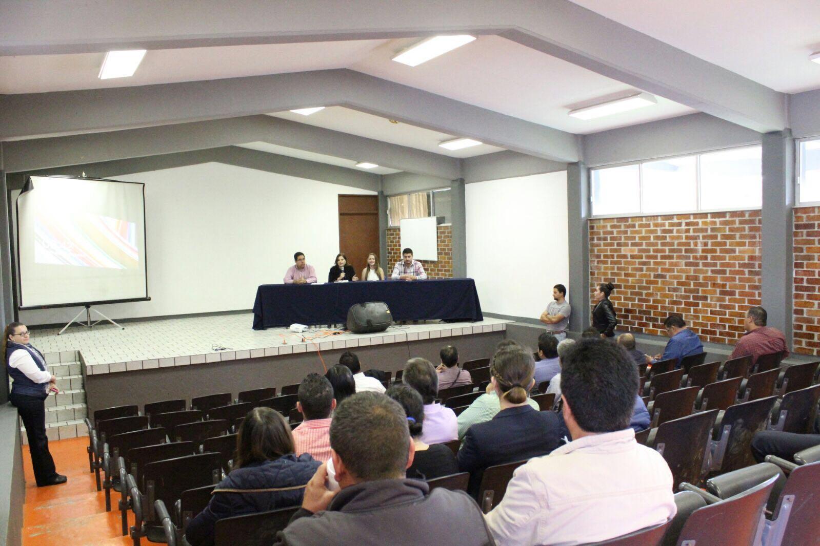 Seminario en Derecho Procesal Electoral en el Centro Universitario de la Costa Sur y laPreparatoria Regional, Módulo Mazamitlade la Universidad de Guadalajara.