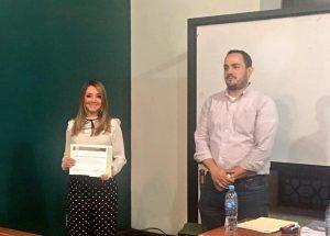 La magistrada Ana Violeta Iglesias Escudero, impartiendo el tema: Candidaturas Independientes