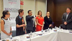 La MagistradaVioleta Iglesiasy él Magistrado Presidente Rodrigo Moreno presentes en la 8va Sesión Ordinaria del Observatorio de la Participación Política de las Mujeres en Jalisco