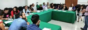 """moderadores en el concurso denominado """"Debate Universitario 2018"""""""